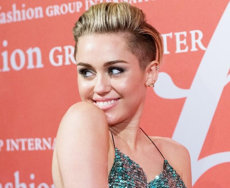 Miley se ha convertido en la joven más polémica.