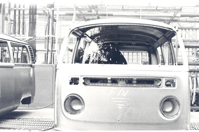 Junto al popular Fusca o 'escarabajo', esta camioneta arranc� la producci�n de Volkswagen en Brasil.