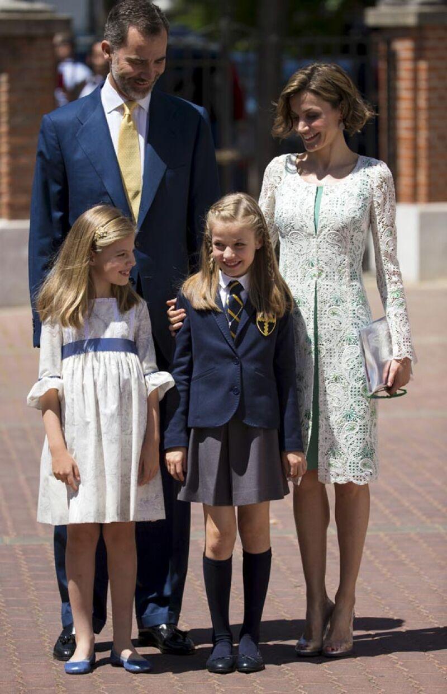 La heredera al trono de España realizó su ceremonia religiosa como cualquier otro niño de su colegio, acompañada de sus padres y sus abuelos.