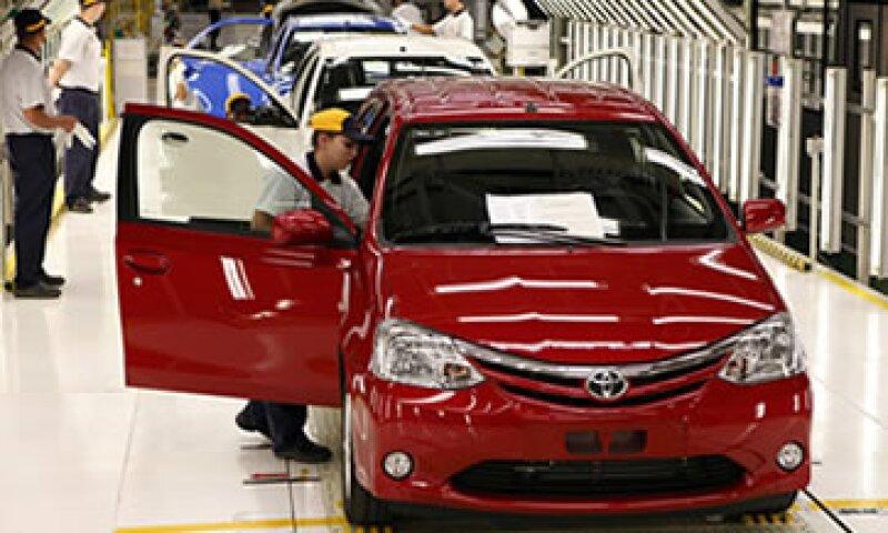 Toyota calificó el acuerdo como difícil, aunque se dijo aliviada por dejar atrás el caso. (Foto: Reuters)
