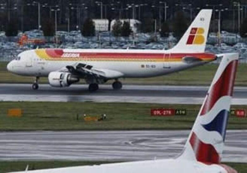 El acuerdo preliminar de fusión entre Iberia y BA es de 7,000 millones de dólares. (Foto: AP)
