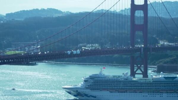 Crucero afectado por coronavirus atraca en puerto de California tras días varado