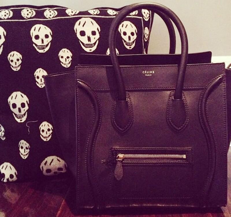 La bolsa más grande de Kylie es la negra y por lo visto también fue su favorita pues la presumió también en Instagram.