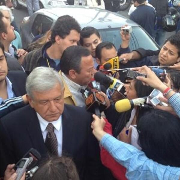 Lopez Obrador casilla votacion