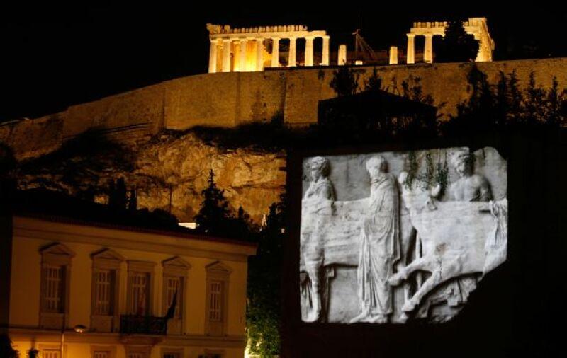 El nuevo Museo del Acrópolis abrió sus puertas para recordar los años en que El Partenón fue erigido en la época más gloriosa de Atenas, del 447 l 432 a.C., en honor de Atenea, la patrona de la ciudad
