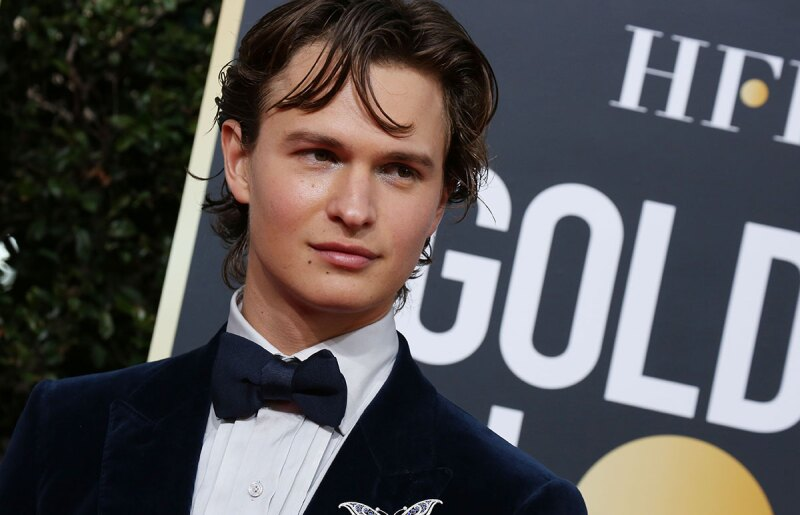 Ansel-Elgort-look-makeup-golden-globes