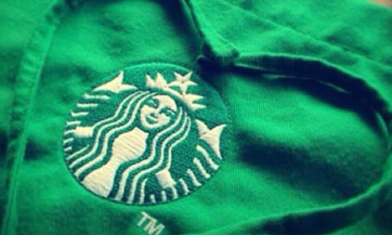 Starbucks ofrece una ubicación laboral cercana al domicilio del adulto mayor. (Foto: Tomada de Facebook.com/StarbucksMexico)