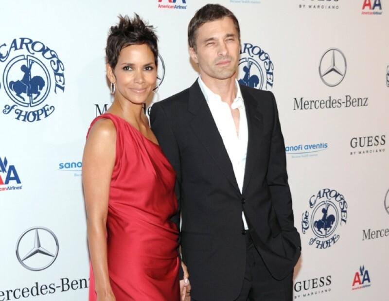 Actualmente la actriz tiene una pugna legal con su ex marido, Gabriel Aubry, ya que Halle quiere mudarse a Francia con su hija.