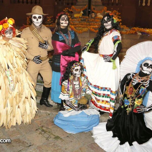 Elizabeth Rosas,Mariano Alcázar,Romina González,Sandra González,Guadalupe Gómez,Vanessa Gómez