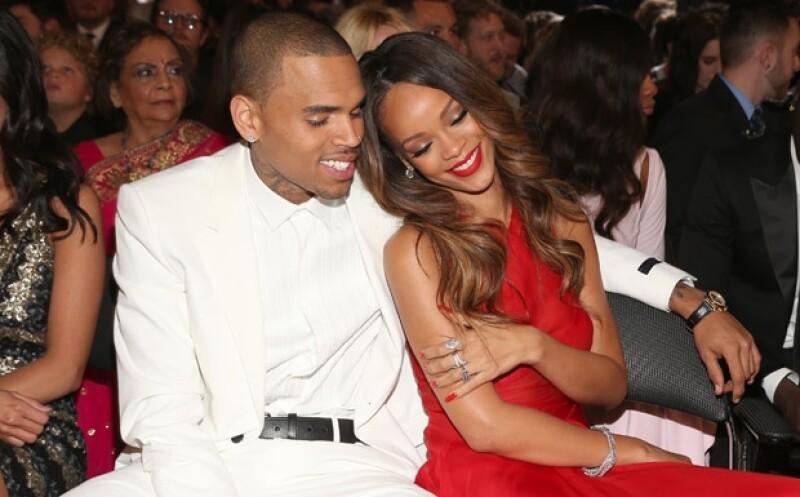 Rihanna y Chris no ocultaron su amor el domingo en los Grammy.