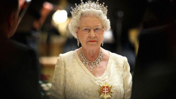 Isabel II no está muy involucrada en el funcionamiento cotidiano del gobierno de Jamaica.