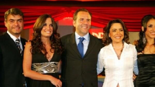 Numerosos usuarios de Twitter solicitaron al presidente de Grupo Televisa el retiro de Esteban Arce del programa Matutino express, al señalar que hizo comentarios ofensivos sobre la homosexualidad.