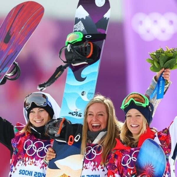 Las primeras ganadoras en la historia del slopestyle femenino: Jamie Anderson, Enni Rukajarvi y Jenny Jones
