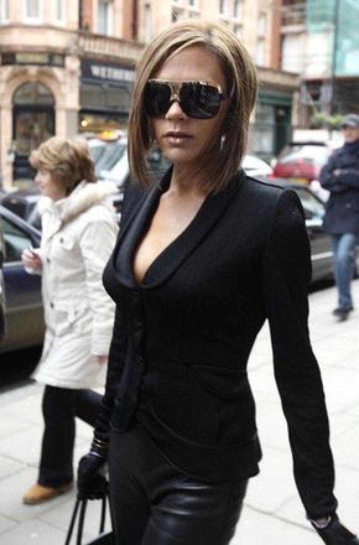 La cantante señaló que al igual que las mujeres, los hombres deben jugar con la moda, eso no implica que se arriesguen demasiado, pues pueden llegar a verse vulgares y nada atractivos.