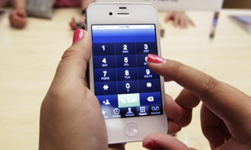 Wall Street prevé que Apple venda 23 millones de iPhones en el cuarto trimestre. (Foto: AP)