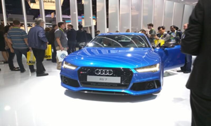 Audi también presentó un reloj inteligente, diseñado por LG exclusivamente para Audi, con el cual se podrán controlar los vehículos de esa marca. (Foto: Grupo Expansión)