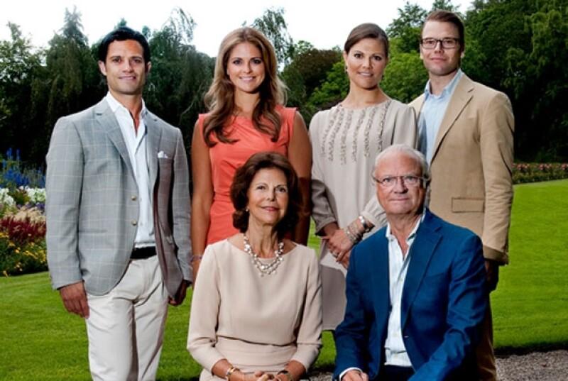 Esta es la imagen que se subió a la página oficial de la casa real sueca. Aquí el embarazo de Victoria no se ve.