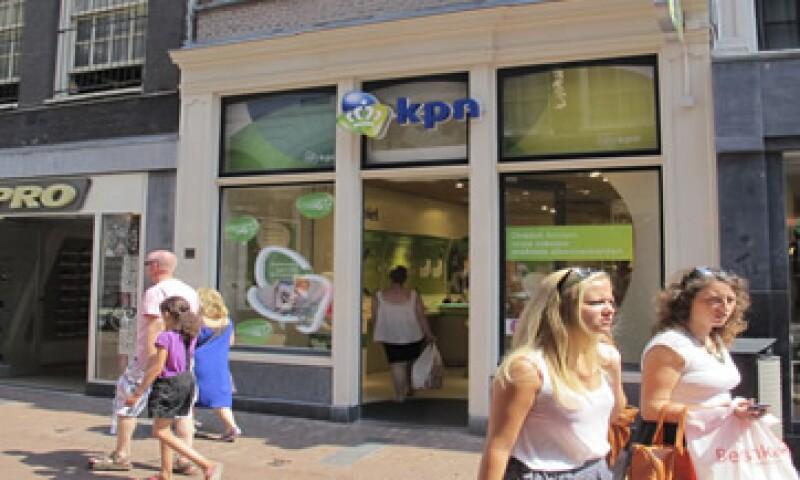 El directorio de KPN aún no dice si apoyará la oferta de América Móvil. (Foto: AP)