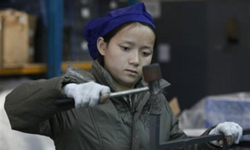 HSBC apunta que la cifra requiere más esfuerzos de Beijing para apoyar el crecimiento y el empleo. (Foto: AP)