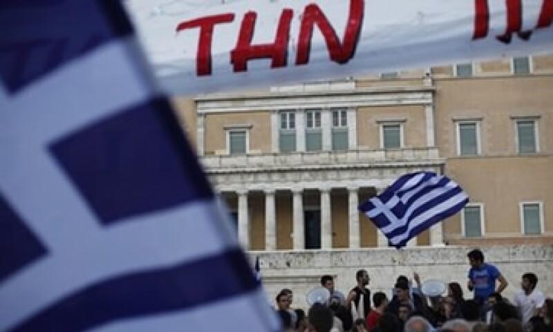 El ministerio de Finanzas de Grecia atribuyó la baja en la recaudación a una recesión peor a la esperada. (Foto: AP)