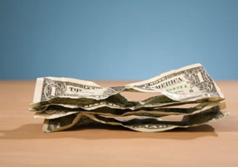 Las cantidades de crudo que EU importa provocan que los altos precios amplíen el déficit. (Foto: Photos to go)