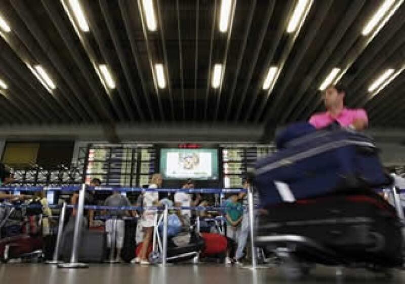 Los aeropuertos brasileños son viejos y están rebasados en cuando a la demanda.  (Foto: Reuters)