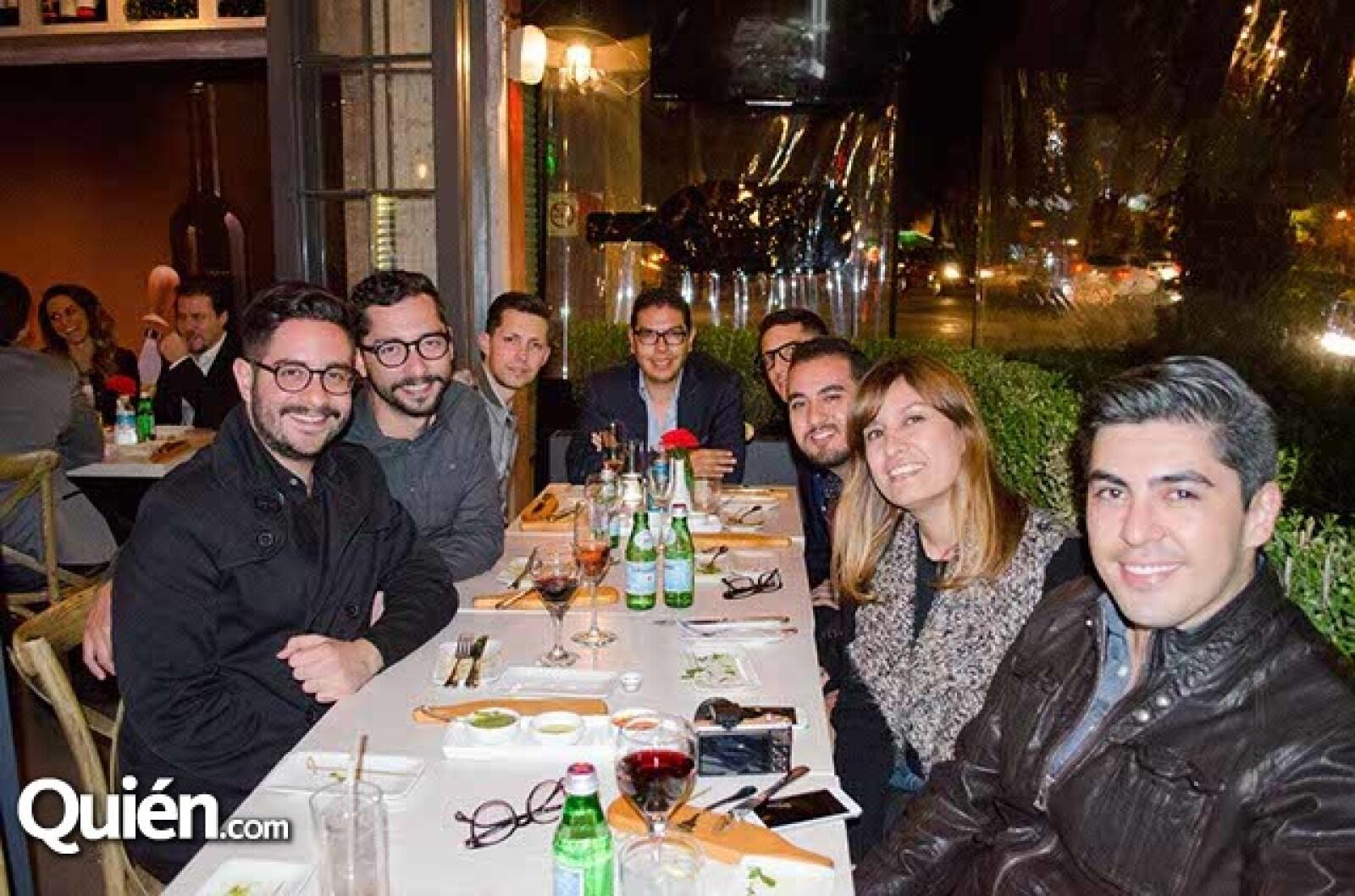 Fernando Vela,Grace Navarro,Adrián Xavier,Daniel Saldaña,Israel Lara,Juan de la Concha,Salim Memi y Mundo Montes de Oca