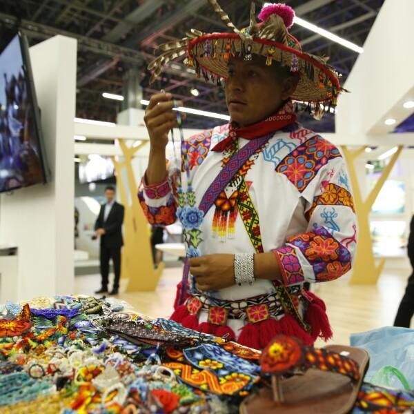 Durante la inauguración del evento, el presidente Enrique Peña Nieto dijo que el sector turístico contribuye al desarrollo económico del país y genera cerca de 9 millones de empleos directos e indirectos.