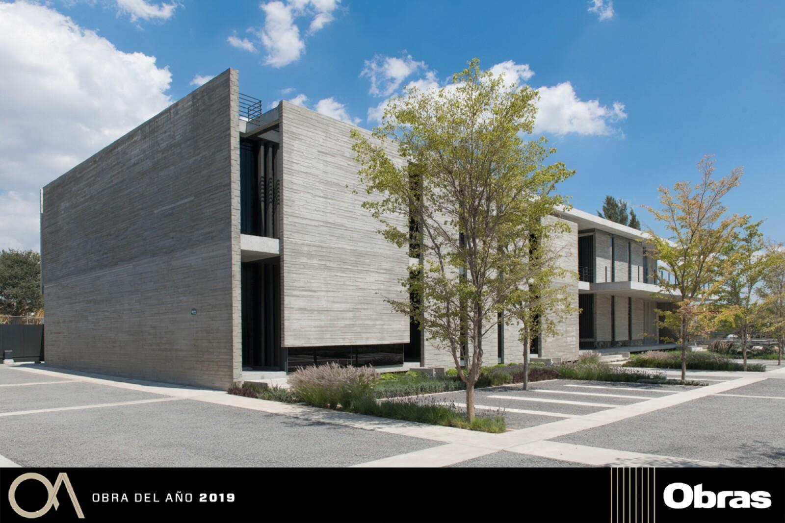 Corporativo Anteus Constructora, Edificación