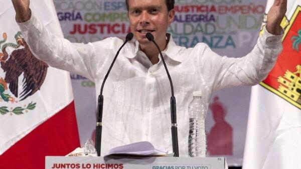 Heredó la pasión por la política de su abuelo, quien también fue gobernador de Chiapas.