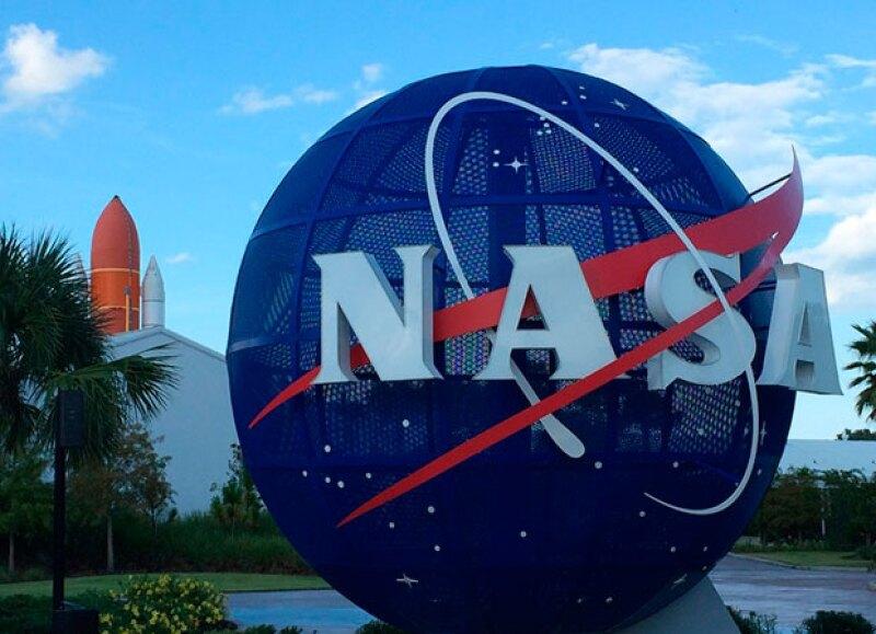 """Un grupo de hackers tomaron la cuenta  """"NASA Kepler and K2"""" y publicaron en ella fotografías de mujeres en ropa interior."""