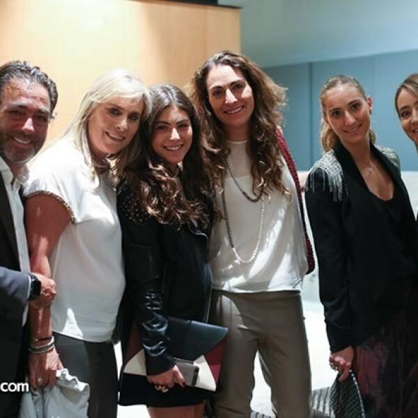 Rafael,Giselle,Valerie,Stephanie,Nathalie y Sary Esses