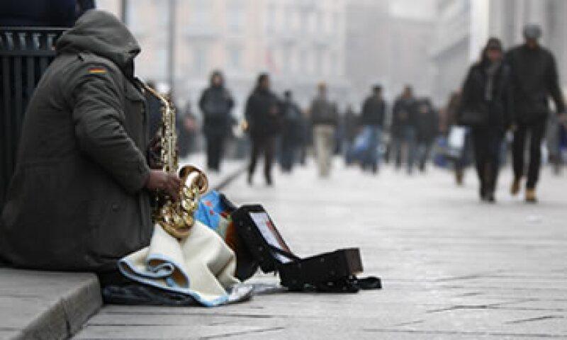 Los pobres cada vez son más visibles en las calles de las ciudades italianas. (Foto: AP)