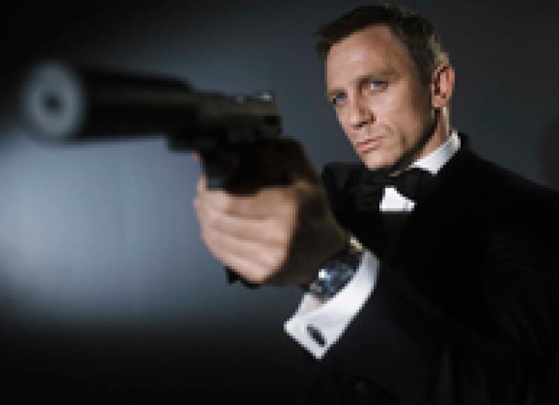 ¿Sabías que Liam Neeson rechazó convertirse en el 007 y que Sean Connery usaba un tupé cuando hacía al agente más sexy del cine? Te tenemos 7 facts que te dejarán con la boca abierta.