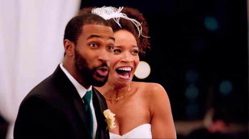 En el más reciente clip de la banda, se decidió capturar los momentos en los que al estilo The Wedding Crashers, emocionan a los novios con un concierto sorpresa pero, ¿su asombro será real?