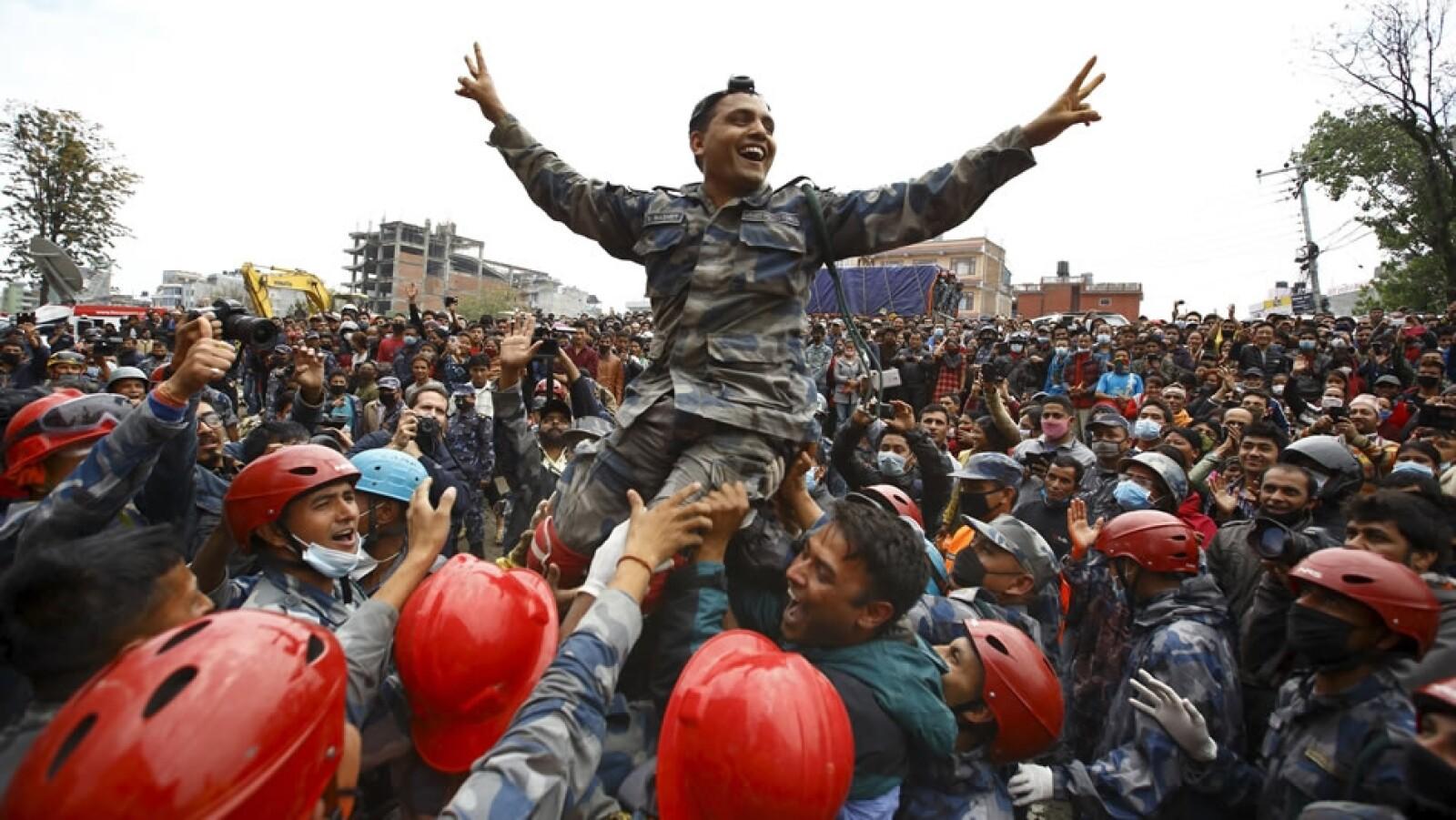 Pemba Tamang rescatistas Nepal
