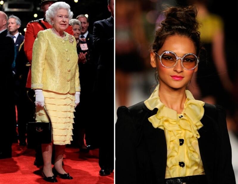 Durante el 2011, los volantes amarillos en blusas y faldas se apoderaron de las pasarelas, sin embargo, un año antes, en 2010, Isabel II ya los lucía en sus looks.