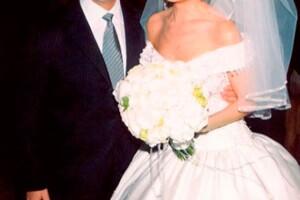 Thalía y Tommy se casaron el 2 de diciembre en NY, ella lució un espectacular vestido de Mitzy.