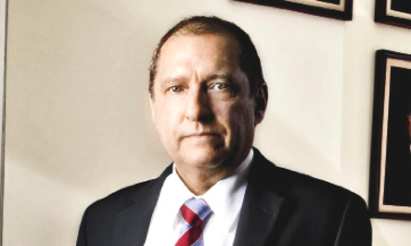 Eduardo Pérez Mota titular del órgano antimonopolios ha sufrido presiones de las más poderosas empresas mexicanas. (Foto: Alfredo Pelcastre/Monda Photo)
