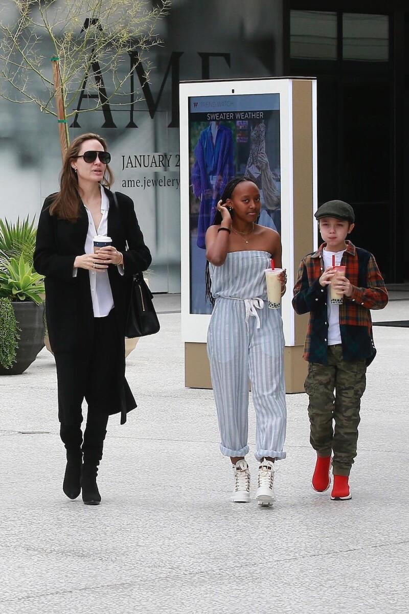 Angelina Jolie, Zahara, Knox