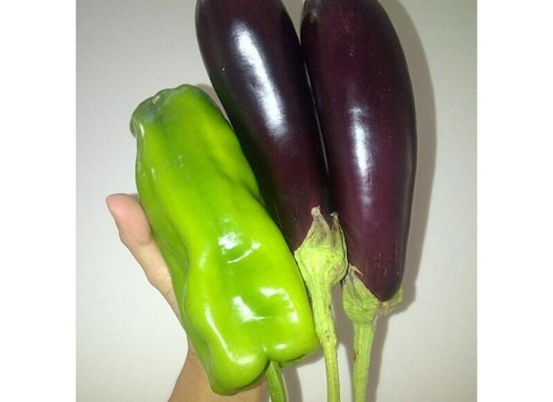 La cantante presumió los primeros frutos de su hortaliza en casa.