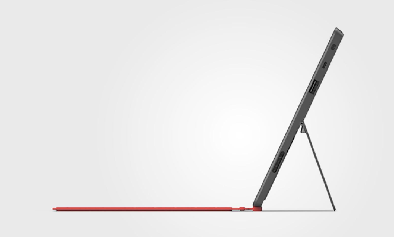 Surface cuenta con un soporte que tiene un grosor de 0.7 mm, con el que la 'tablet' se mantendrá estable en una superficie.