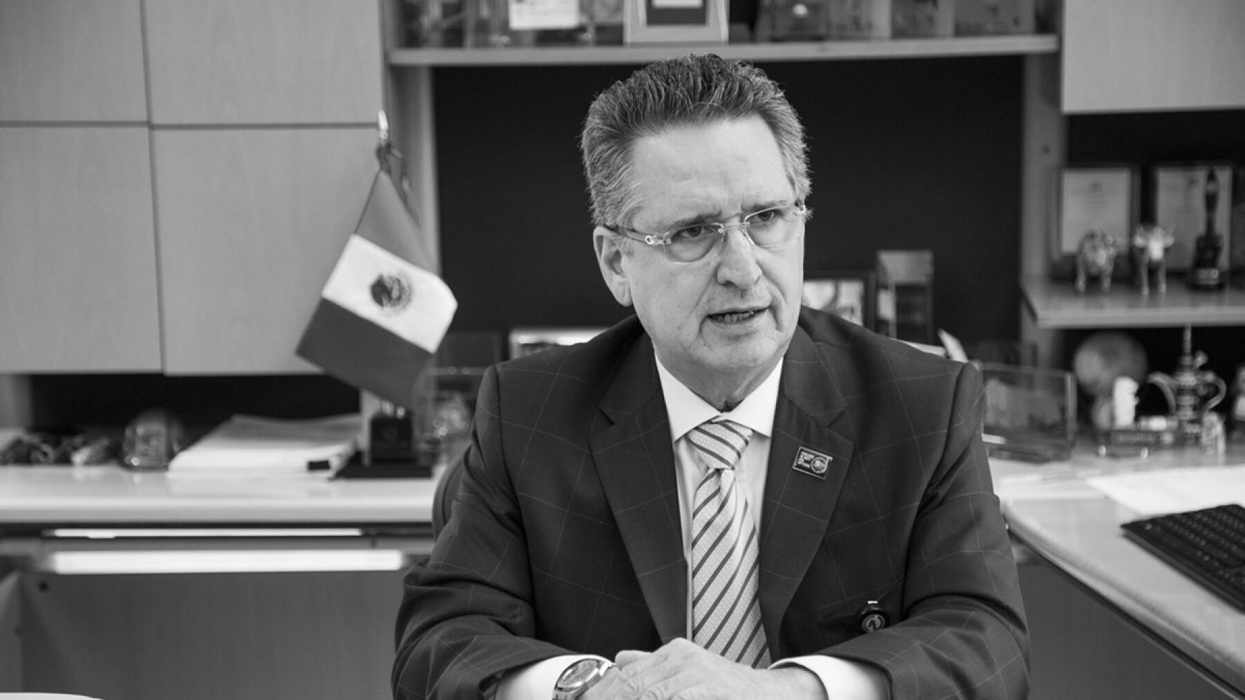 Héctor Ovalle, presidente.