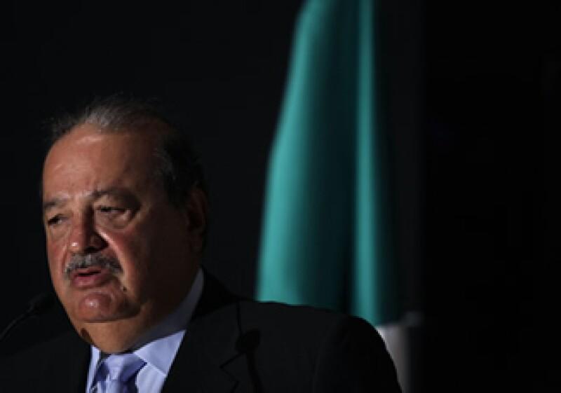 Cablevisión reclama por un préstamo, bajo el cual está obligado a dar datos al brazo financiero de su rival, Carlos Slim. (Foto: AP)