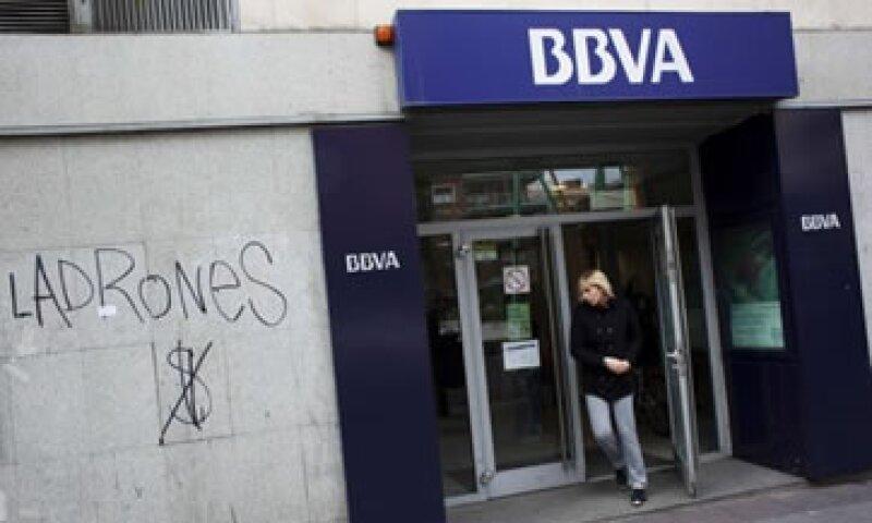 BBVA dijo que tendrá que aportar 1,800 mde para las nuevas coberturas. (Foto: Reuters)