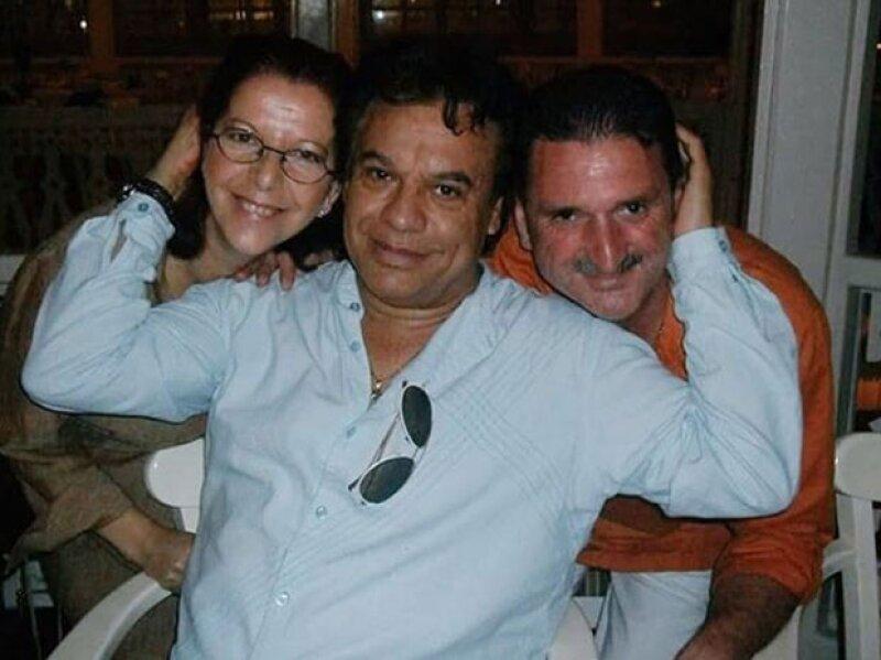 Juan Gabriel conocía a los padres de Jas, así lo publicó el cantante español en sus redes sociales.