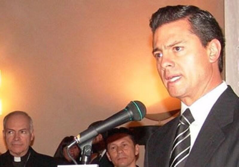 Enrique Peña Nieto visitó el Vaticano para montar una exhibición de las artesanías del Estado de México (Foto: Notimex)