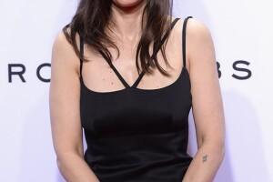 La actriz volvió a la esfera pública tars protagonizar la nueva camapaña de Marc Jacobs.
