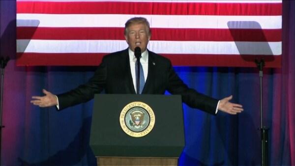 """Trump propone reforma fiscal que es un """"regalo para los ricos"""" según demócratas"""