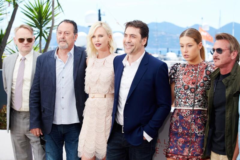 Los ex novios posaron junto al resto del elenco de `The Last Face´, entre ellos Javier Bardem, y Adele Exarchopoulos, pero evitaron tener contacto.